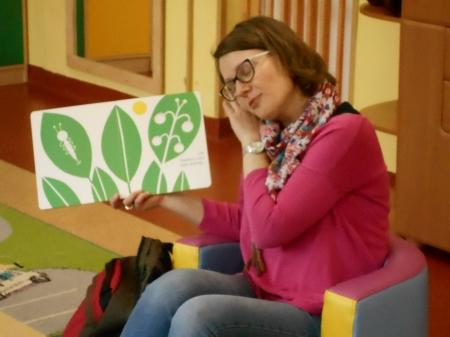 ''Oto jest ogród'' - chwila z kartonową książeczką Hectora Dexeta